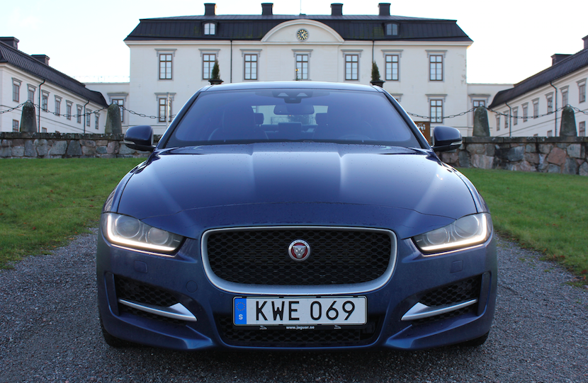 Jaguar XE - perfekt kombination av körupplevelse och design!